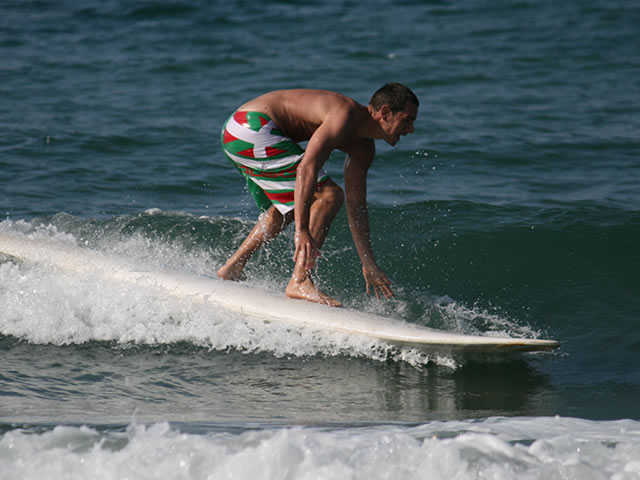 ben_ellis_surfing_crete_4