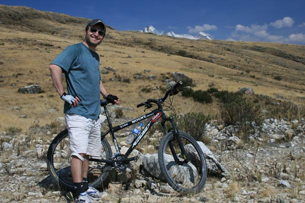 Lionel mountain biking in Huaraz