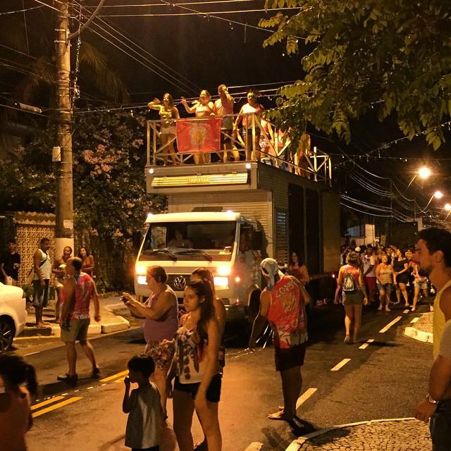 Carnaval na rua - Cocanha. #brazil