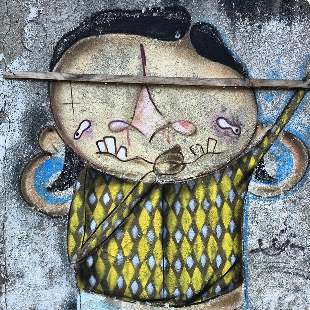A little beachside street art. #brazil #streetart #ubatuba