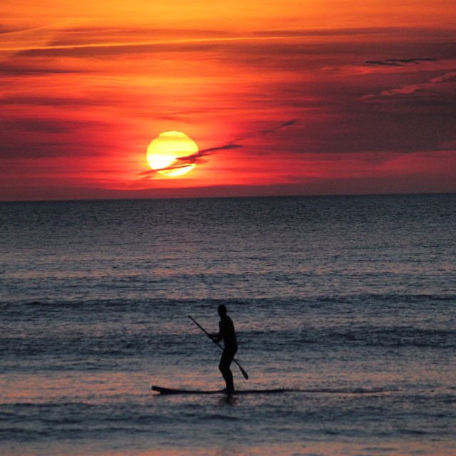 Regenerating the soul. #woolacombe #devon #standuppaddle #surfing Photo by: @essexrambler