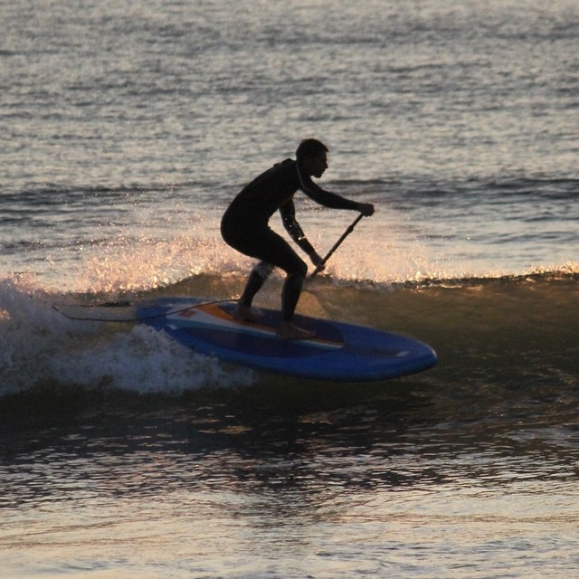 Sunset session at Woolacombe. #sup #standuppaddle #woolacombe #devon #surfing. Photo by: @essexrambler