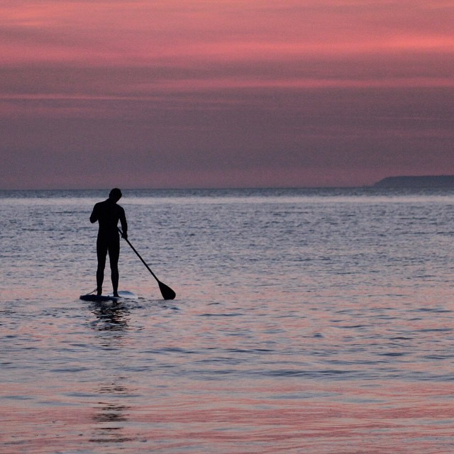 Contemplating life, it's moments like this that make it all worthwhile. #woolacombe #devon #standuppaddle. Photo by: @essexrambler
