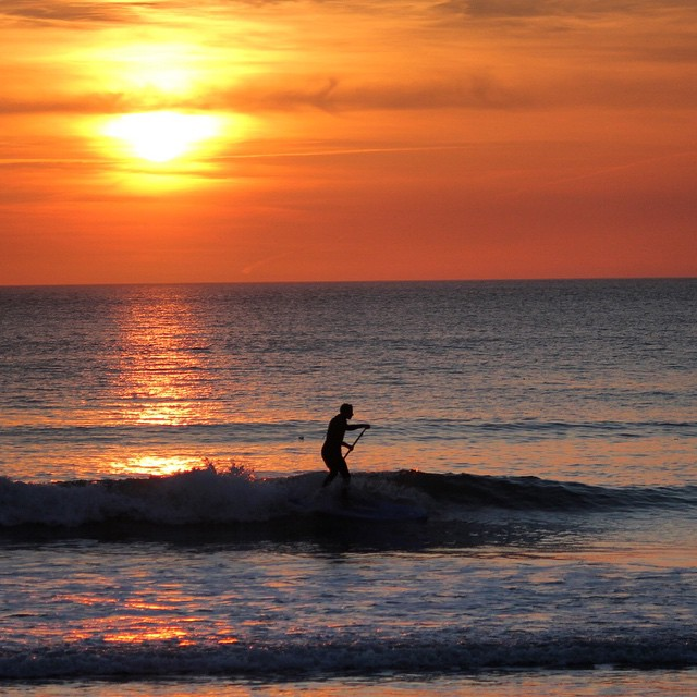 Nature at its best. #woolacombe #devon #standuppaddle #surfing. Photo by: @essexrambler