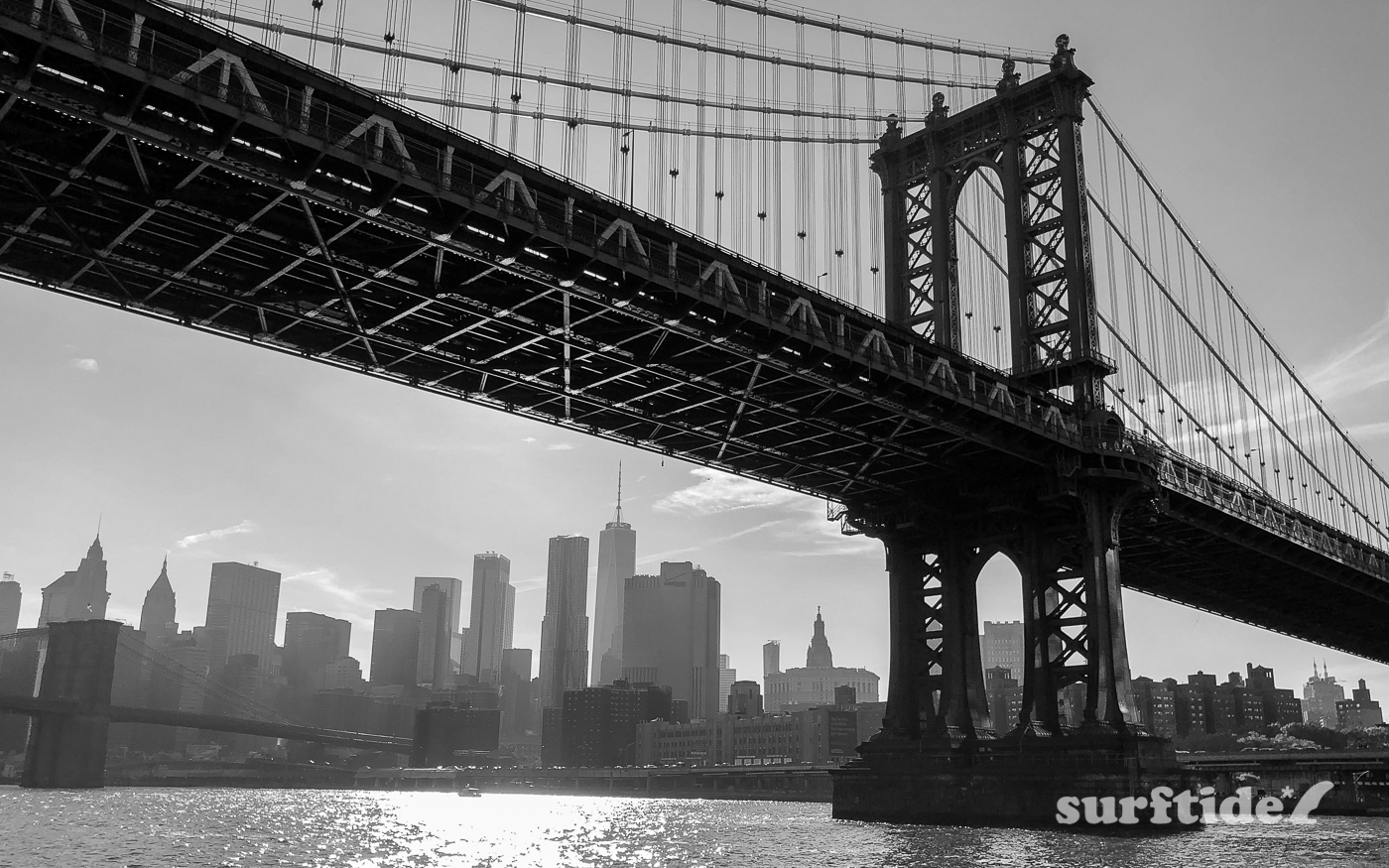 Black & White photo of Manhattan Bridge