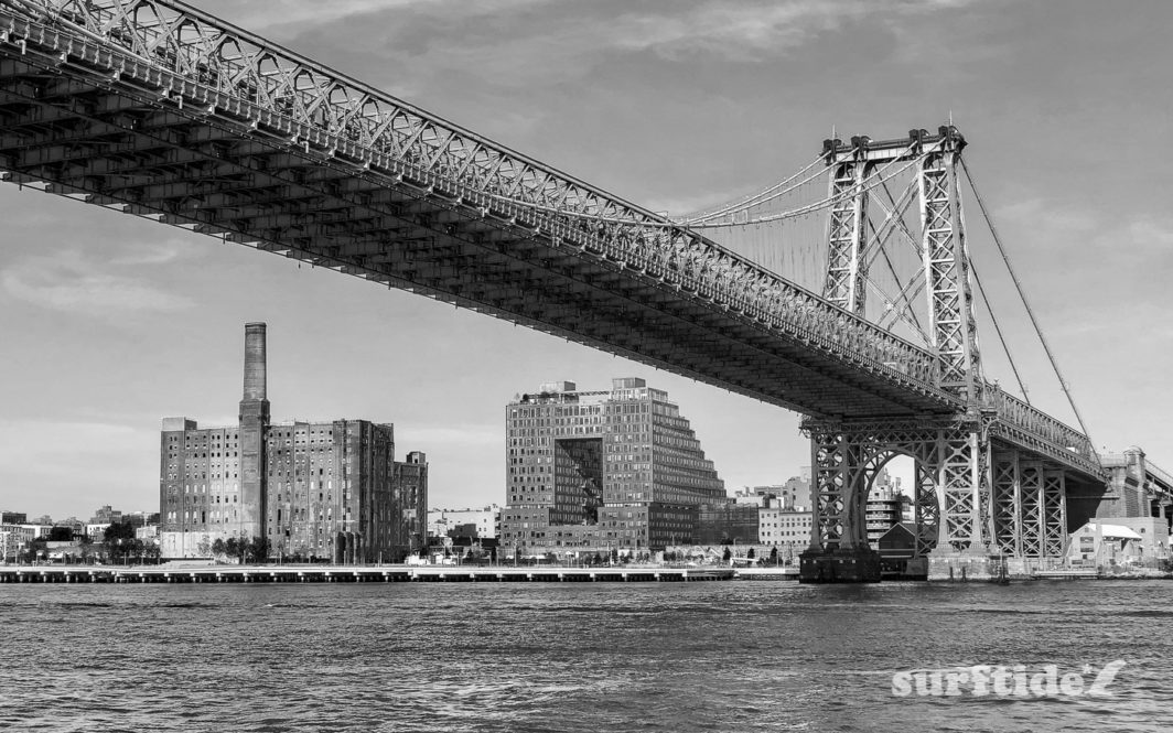 Black & White photo of Williamsburg Bridge